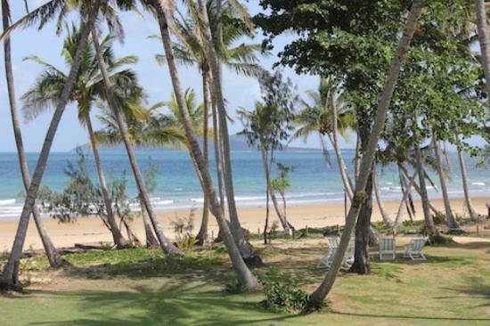 Castaways Resort & Spa Mission Beach: View from beachfront room
