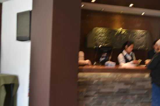Sonesta Hotel Cusco: Front Reception Desk