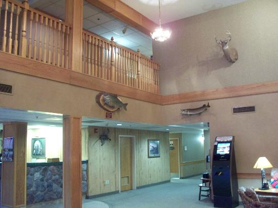 Brimley, MI: Lobby of the hotel.