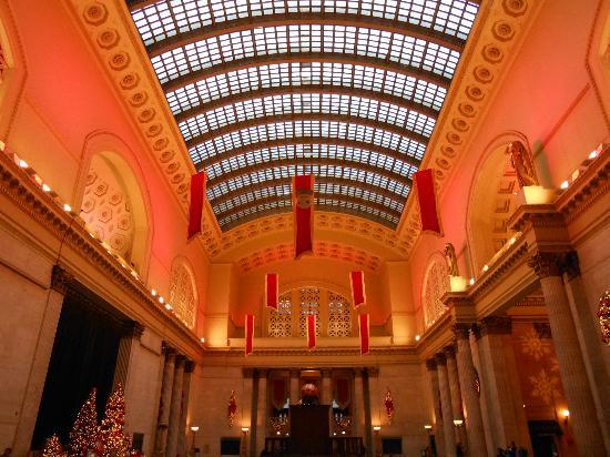union station christmas color - Chicago Christmas Station