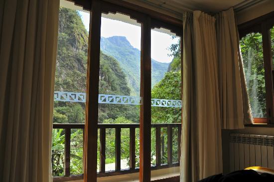 SUMAQ Machu Picchu Hotel: The balcony and view beyond 