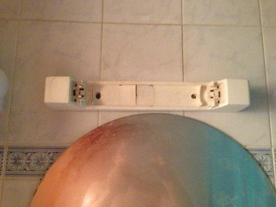 Europe Liege Hotel: A mon arriver la lumière de la salle de bain