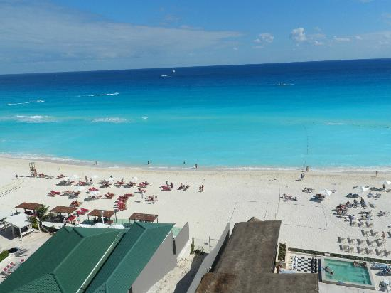 live aqua cancun location map  live  free engine image for live aqua beach resort cancun rooms Live Aqua Cancun All Inclusive