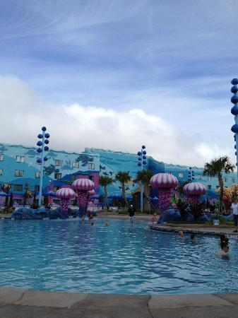 Disney's Art of Animation Resort: Finding Nemo building and pool
