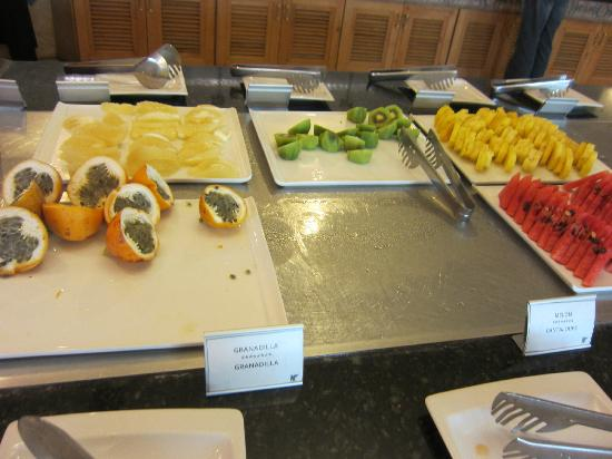 JW Marriott Hotel Quito: Fresh fruit at breakfast