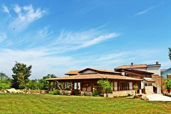 """Agristor Country House Borgo Patierno : Gli esterni di """"Borgo Patierno"""""""