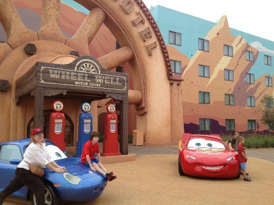 Disney's Art of Animation Resort: Cars building exterior