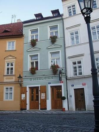 Hotel U Jezulatka, Na Kampe 10, Prague
