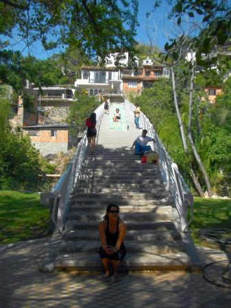 Costa Sur Resort & Spa: PV River Walk, bridge to old homes above town