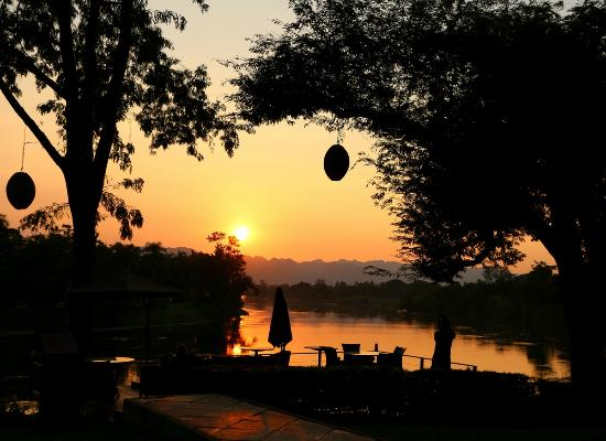 U Inchantree Kanchanaburi: Sunset