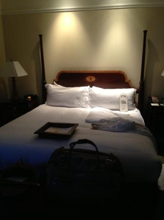 The Hermitage Hotel: king size bed in king deluxe room