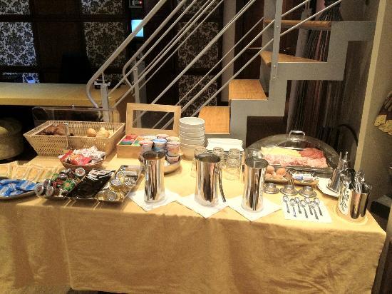 Abbazia Deluxe: Buffet colazione