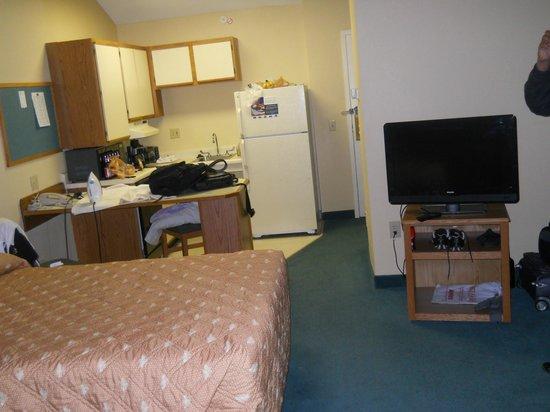 Extended Stay America - Cincinnati - Blue Ash - Reed Hartman: Room