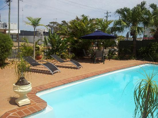 pool area - Picture of Comfort Inn on Main Hervey Bay