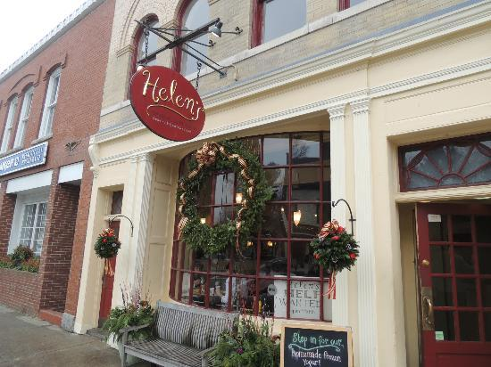 Helen's Restaurant: Entrance to Helen's