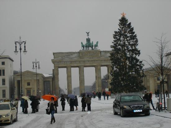 brandenburg gate view from the room with the christmas. Black Bedroom Furniture Sets. Home Design Ideas