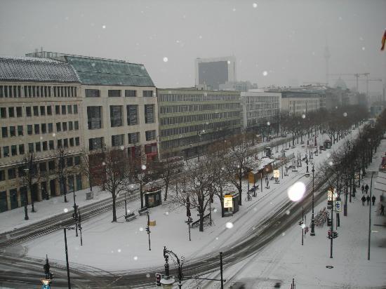 Hotel Adlon Kempinski Under Den Linden View From The Room