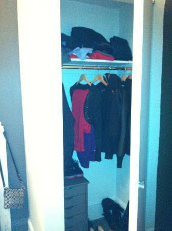 Seton Hotel: Room Closet