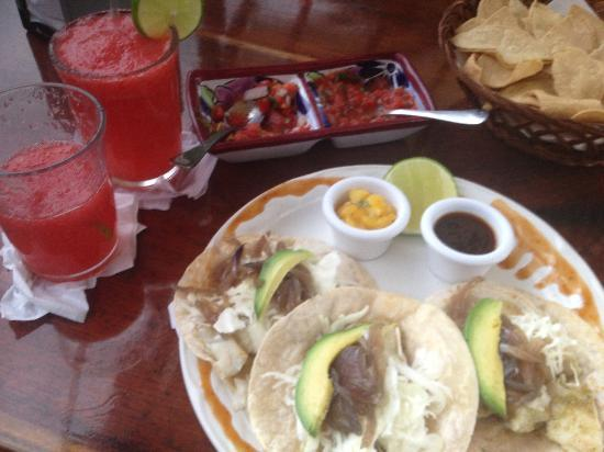 Mmm best fish tacos ever picture of mateo 39 s mexican for Best fish tacos near me