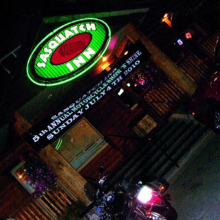 Sasquatch Inn Ltd Photo