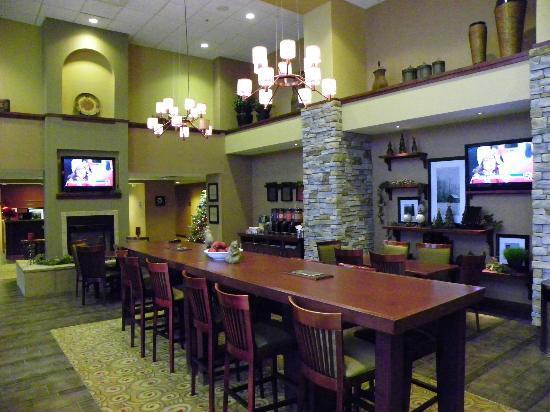 Hampton Inn & Suites Rifle: Dining Room/Lounge