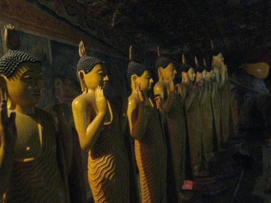 Tangalle, Sri Lanka: Inside a cave