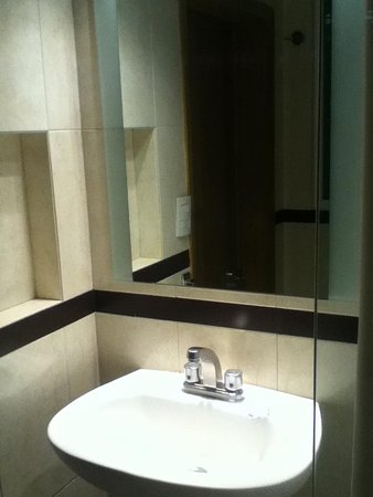Hotel Roble: Lavamanos