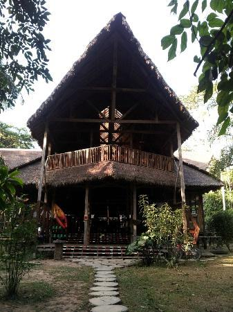 Refugio Amazonas: Lodge Entrance