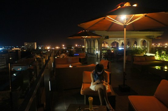 The Bayleaf Intramuros : The Bayleaf Hotel, Sky Deck restaurant