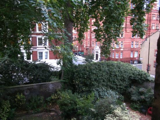 Arosfa: Room 7's view towards Torrington Place