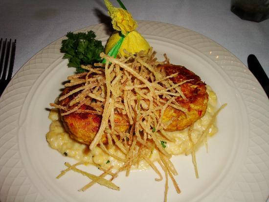 Ristorante Divino : Crab Cakes w/ fried leeks