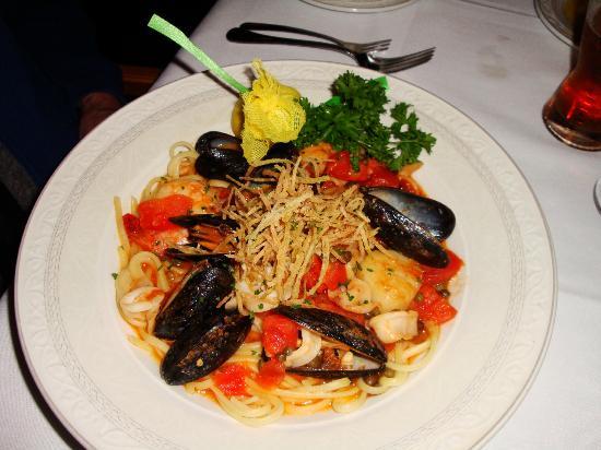 Ristorante Divino : Custom: Seafood-Scampi Linguine