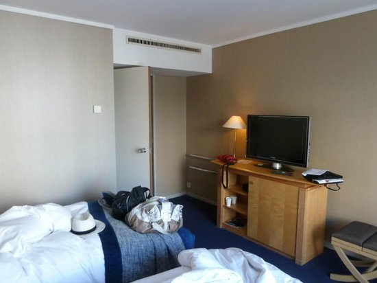 Pullman Paris Centre - Bercy: Our $400 room