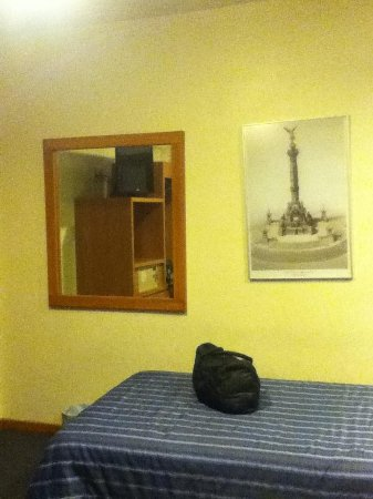 Hotel Roble: Espejo