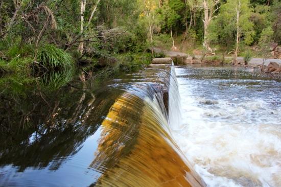 Ferns Hideaway Resort: waterpark creek. Ferns hideaway