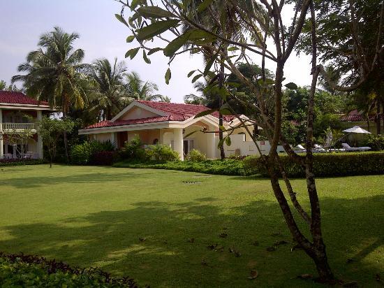 Taj Exotica Resort & Spa Goa: View of a villa and the grounds
