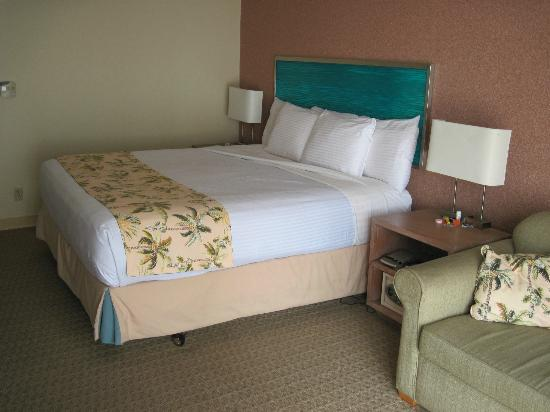 Aqua Palms Waikiki: Beds are super comfortable!