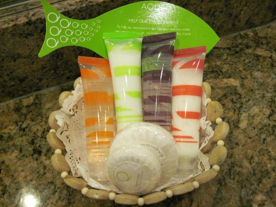 Aqua Palms Waikiki : Basic toiletries are provided