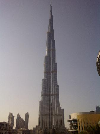 The Address Downtown Dubai: View of the Burj Khalifa from the walkway from the hotel to The Dubai Mall