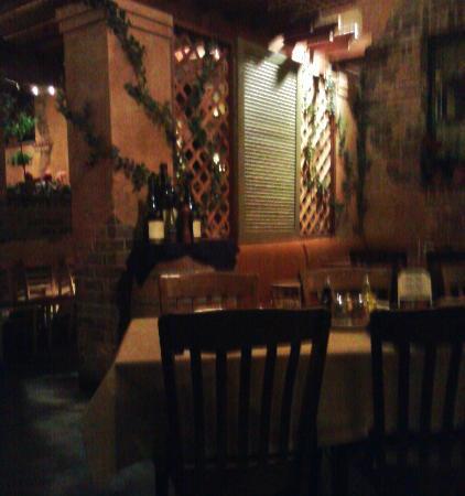 Cucina Tagliani Italian Kitchen - Peoria: Dining room