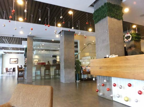 Norfolk Hotel Saigon: Hotel Restaurant