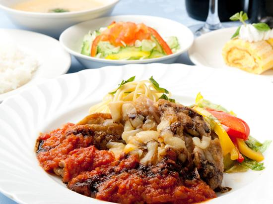 Okinawa Hotel: ディナー一例