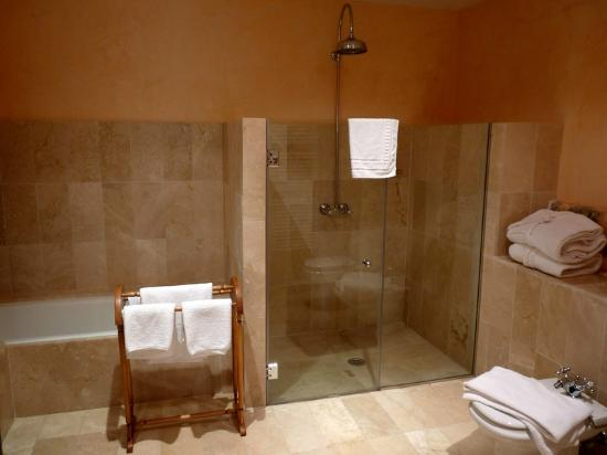 Orient, Spain: Bathroom