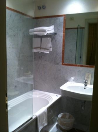 Hotel Orto De Medici: Bathroom