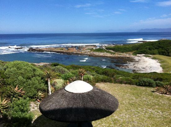 Crayfish Lodge Sea & Country Guest House: ....vom Frühstücksplatz auf dem Balkon aus....