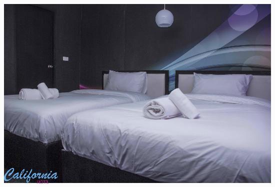 Hotel California: Twin Room Pink Floyd