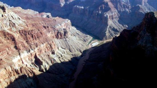 Scenic Airlines: morning brings out wonderful views of the canyon