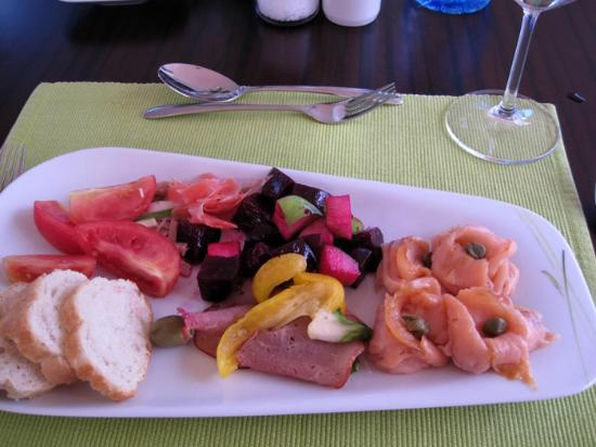 The Boma Nairobi : Yummy lunch at Johari - selections from the lunch salad bar