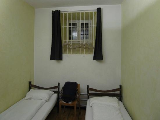 Jailhotel Loewengraben: cell room