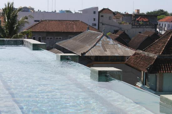 The Spot Legian : rooftop pool